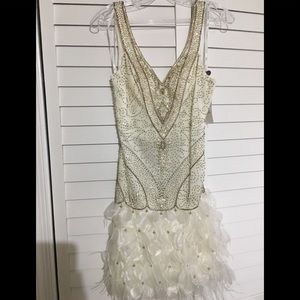 New with tags Sue Wong ivory dress!
